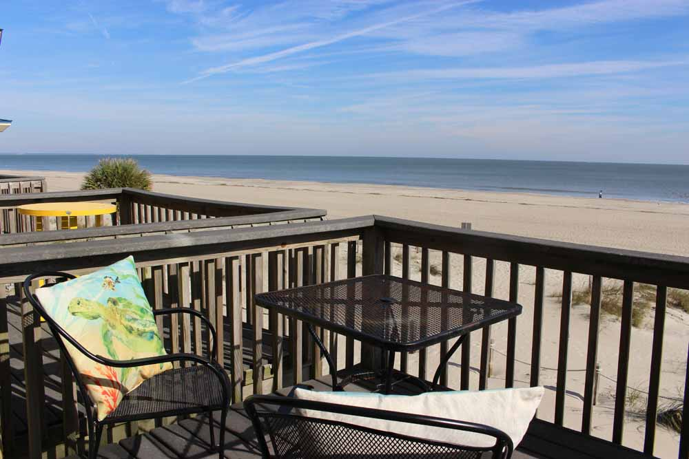 108b Tybee Lights Oceanfront Cottage